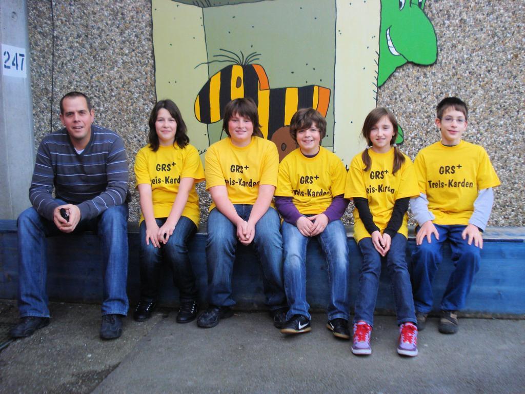 """Die Klasse 6b hat beim Tigerenten-Club eine 400 Euro Spende für das Kinderhilfsprojekt """"Elterninitiative Krebskranker Kinder e.V."""" gewonnen."""