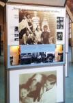 """Acht- und Neuntklässler besuchen die """"Anne Frank-Wanderausstellung"""""""