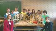 """""""Junge Naturwissenschaftler"""" bauen Insektenhotels"""