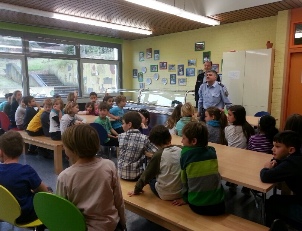 Polizeilicher Besuch in der Grundschule
