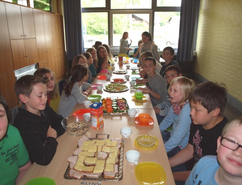 Gesundes Frühstück für Grundschüler und Schüler der Orientierungsstufe