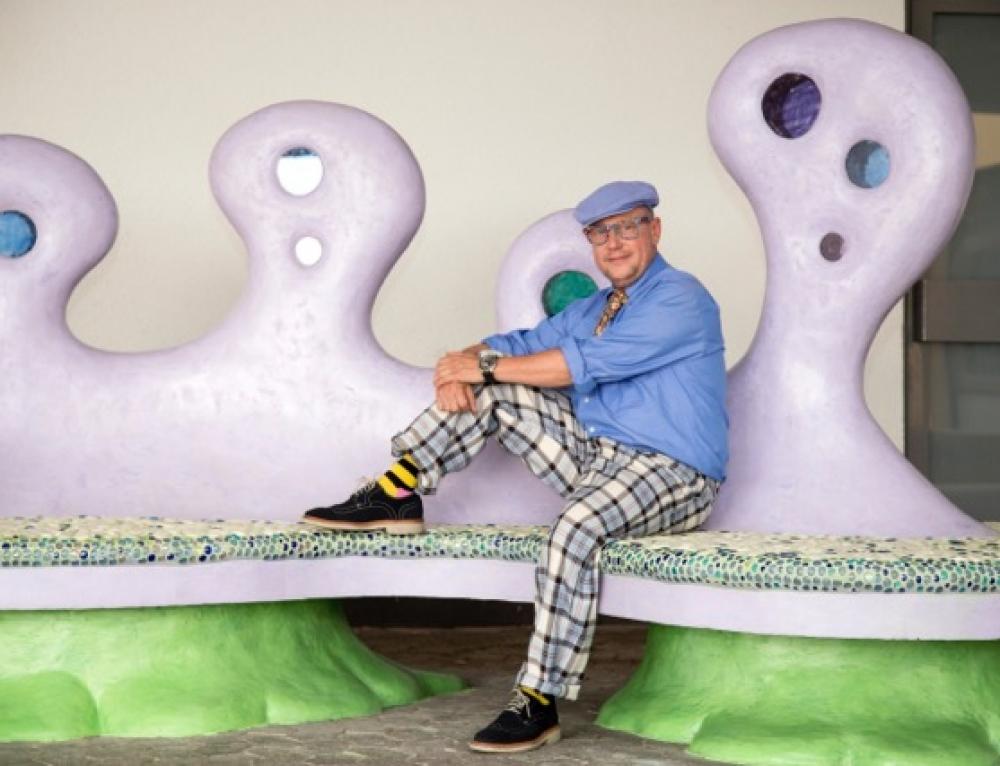 """Kunstprojekt """"The big banksy bench"""" des Künstlers Dominik Burger und der Abschlussschüler Klasse 10 wurde eingeweiht"""