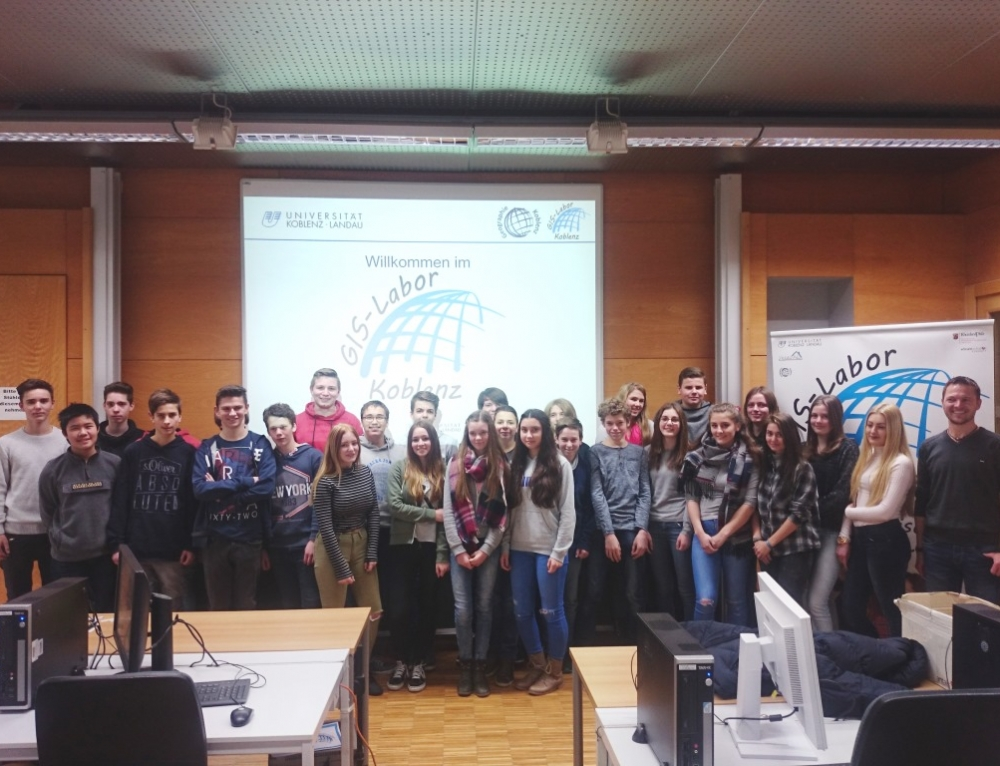 Klasse 9b besucht das GIS-Labor der Universität Koblenz