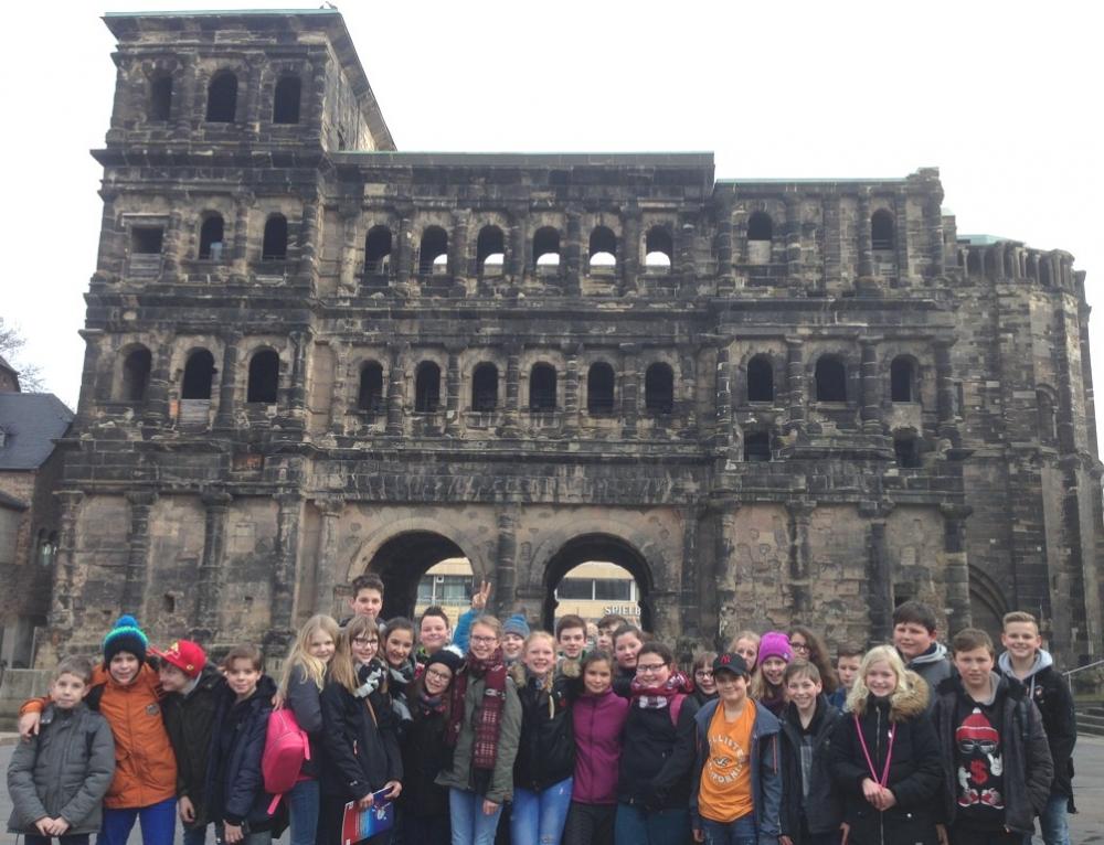 """Klasse 6b auf """"Ro-Man-Stadt-Rallye"""" in Trier"""