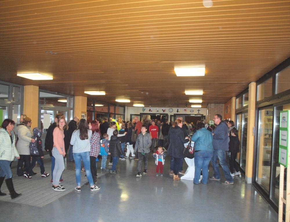 Der Tag der offenen Tür: Viele Besucher informieren sich über unsere Schule