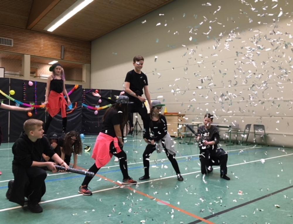 Närrisches Treiben an der Konrad-Adenauer-Schule