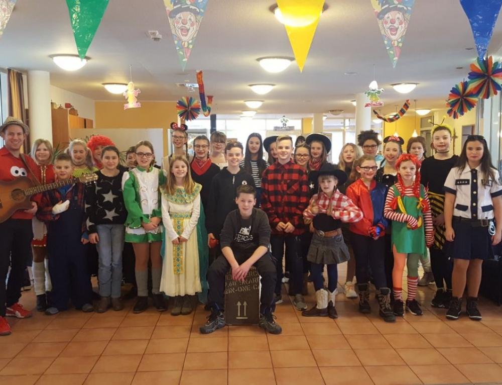 """""""TREIS HELAU""""- Erneuter musikalischer Besuch im Seniorenstift St. Katharina"""