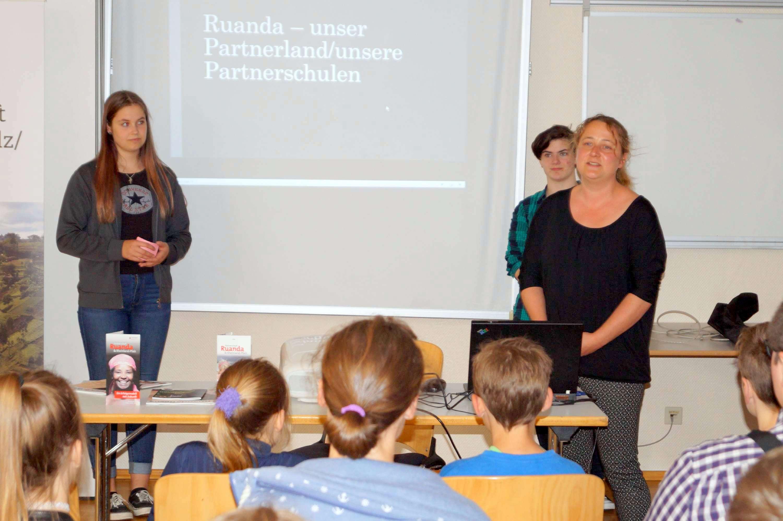 Röhrig Treis schulen in unserem partnerland ruanda ein interessanter nachmittag