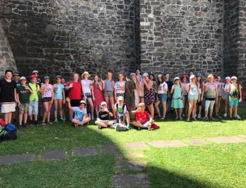 Fünftklässler zu Besuch bei den Burgfestspielen