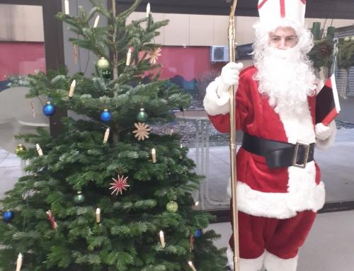 Der Nikolaus zu Gast in der Konrad-Adenauer Schule
